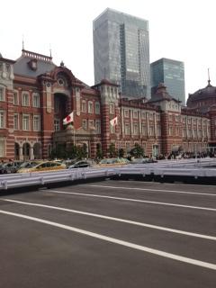 ◆東京駅~♪◆久しぶりに見ましたが、何かまぶしいっす♪ケータリング配達の合間より